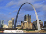 St Louis skyline, Gateway Arch, Missouri Giclee Print