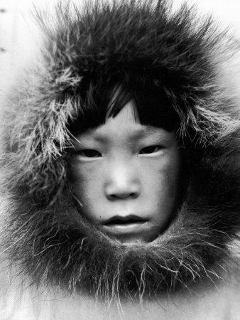Eskimo Child 写真プリント : マーガレット・バーク=ホワイト