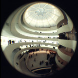 Interior Views of the Frank Lloyd Wright Designed, Solomon R. Guggenheim Museum Fotografie-Druck von Dmitri Kessel