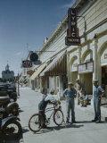 American Streets: Cottonwood Falls, Kansas Premium Photographic Print by Fritz Goro