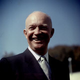 President Eisenhower at White House Photographic Print by Hank Walker