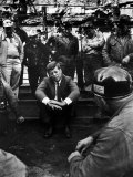 Presidential Candidate, Sen. John Kennedy Chatting with Miners, Campaigning During Primaries Fotografie-Druck von Hank Walker