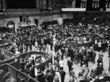 People Crowding the Stock Exchange Building Premium Photographic Print by Charles E. Steinheimer