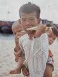 Vietnamese Children Premium Photographic Print by John Loengard
