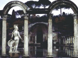 Pool Surrounded by Marble Statues and Graceful Arches in Gardens of Hadrian's Villa at Tivoli Fotodruck von Gjon Mili
