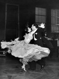Professional Dancers Waltzing During a Show at the Rainbow Room Above Rockefeller Center Lámina fotográfica por Peter Stackpole