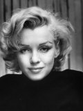 Portrait of Actress Marilyn Monroe at Home Reproduction sur métal par Alfred Eisenstaedt