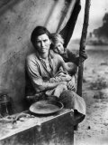 Migrant Mother Florence Thompson and Children Photographed by Dorothea Lange Photographic Print by Dorothea Lange