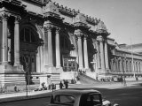 Exterior of the Metropolitan Museum of Art Photographic Print by Alfred Eisenstaedt