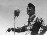 President Sukarno Making a Speech Premium Photographic Print by John Florea