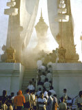 Haze of Smoke Enveloping Bier of Laotian King Sisavang Vong Reproduction photographique sur papier de qualité par John Dominis