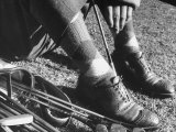 Feet and Golf Clubs Belonging to Golfer Byron Nelson Reproduction photographique sur papier de qualité par Gabriel Benzur