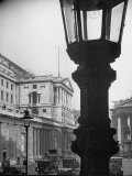 The Threadneedle Street Front of the Old Lady of Threadeedle Street Premium Photographic Print by Hans Wild