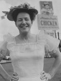 Country and Western Star Minnie Pearl Posing in Front of One of Her Chicken Restaurants Premium Photographic Print by Jerry Cooke