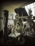 Russian Sculptor Ossip Zadkine Sitting in His Paris Studio Among Towering Sculptures Reproduction photographique sur papier de qualit&#233; par Gjon Mili