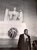 Reverend Martin Luther King Jr. at Lincoln Memorial Premium Photographic Print by Paul Schutzer