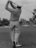 Golfer Ben Hogan, Demonstrating His Golf Drive Stampa su metallo di J. R. Eyerman