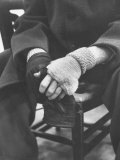 Pianist Glenn Gould in Fingerless Gloves Worn to Keep Hands Supple, Columbia Recording Studio Reproduction photographique sur papier de qualité par Gordon Parks