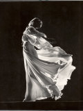 Model Posing in Billowing Light Colored Sheer Nightgown and Peignoir Fotografie-Druck von Gjon Mili