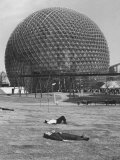 Buckminster Fuller's Geodesic Dome for Us Pavilion at Expo 67 Fotodruck von Michael Rougier