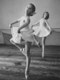 Children at the Pioneer Palace Being Taught Ballet Premium-Fotodruck
