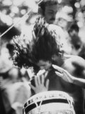 Guy Playing Drums at Woodstock Music Festival Premium-Fotodruck