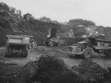 Bauxite Mining Premium-Fotodruck von Grey Villet