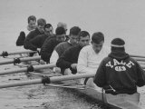 Yale Crew Rowing During Training Papier Photo