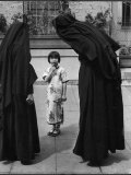 Two Nuns Questioning a Little Chinese Girl at the American Mission School Premium Photographic Print by Alfred Eisenstaedt