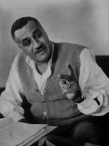President Gamal Abdul Nasser at His Home Speaking with Officials Just after Port Said Invasion Lámina fotográfica