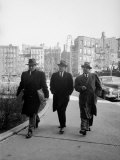 Mafia Boss Frank Costello with Attorney George Wolf and Unident Fotoprint van Alfred Eisenstaedt