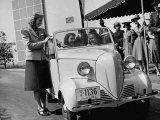 Girls Examining the New Crosley Car at the New York World Fair Premium Photographic Print