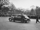 President Franklin D. Roosevelt's Car Leaving the Capital Premium Photographic Print