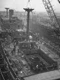 Men Working on the Liberty Ship in the Kaiser Shipyard Premium Photographic Print by Hansel Mieth