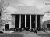 People Gathering at the Temple of Religion to Listen to the Speakers at the New York World's Fair Premium Photographic Print