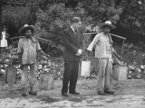 Henry A. Wallace Talking with Peasant Citizens During His Trip to Mexico Premium Photographic Print by Carl Mydans