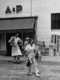 Shoppers Leaving A&P Grocery Store Premium Photographic Print by Alfred Eisenstaedt
