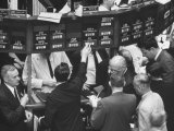 Frantic Day at the New York Stock Exchange During the Market Crash Photographie par Yale Joel