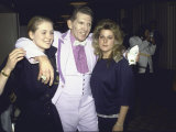 Singer Jerry Lee Lewis and Wife Kerrie with Daughter Phoebe at Rock and Roll Hall of Fame Premium-Fotodruck von Ann Clifford