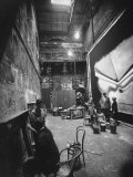 Backstage at the Abbey Theater, Dublin Premium-Fotodruck von Gjon Mili