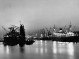 Cargo Ships in the Harbor Fotografisk trykk av Dmitri Kessel