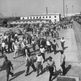 Workers Leaving the Sun Shipbuilding and Drydock Co. Shipyards Photographic Print