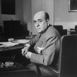 Portrait of Czech Foreign Secy. Jan Masaryk Sitting at Desk in His Office Photographie par Alfred Eisenstaedt
