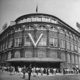 Crowd of Baseball Fans Lining Up to See Game at Ebbets Field Photographic Print by Ed Clark