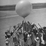 Second Graders Releasing Weather Balloon at Airport Photographic Print by Ed Clark