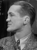 Profile Portrait of Welter Weight Champion Ferdinand Zivic Proudly Displaying His Crooked Nose Lámina fotográfica de primera calidad por Alfred Eisenstaedt