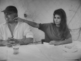 Actress Sophia Loren and Husband, Movie Producer Carlo Ponti Dining at Restaurant Premium Photographic Print by Alfred Eisenstaedt