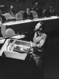 Fidel Castro Addressing United Nation General Assembly Premium Photographic Print by Ralph Crane