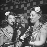 Sisters Performing at the Microphone at the Grand Ole Opry Photographic Print by Ed Clark