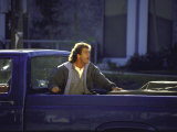 "Actor Mel Gibson Shooting Scene from Film ""Lethal Weapon 3"" Lámina fotográfica de primera calidad por Mirek Towski"